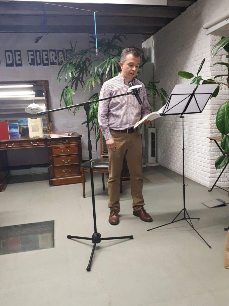Eduardo Mohedano declamando