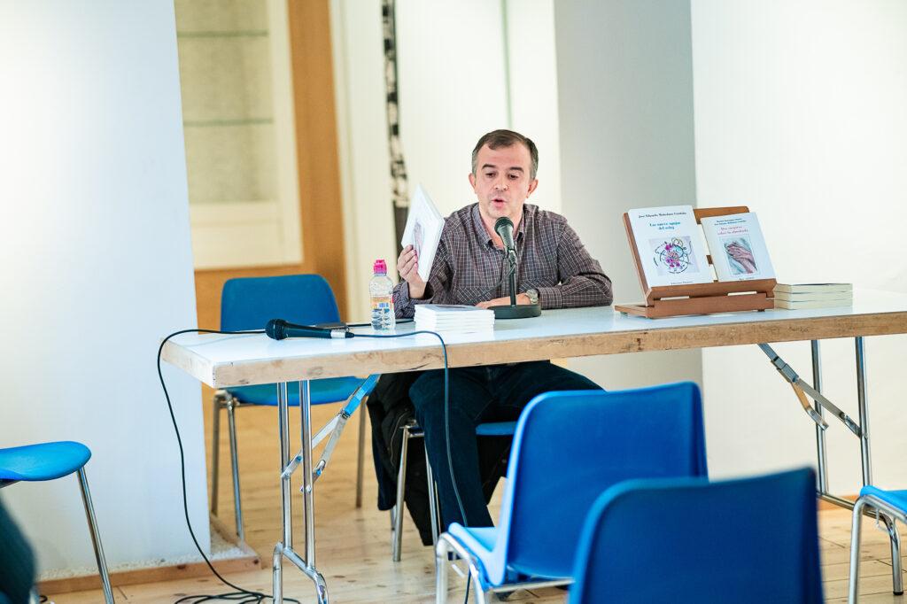 Eduardo Mohedano impartiendo conferencia 2